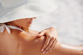 Sai lầm khi sử dụng kem chống nắng khiến càng dùng da càng sỉn màu