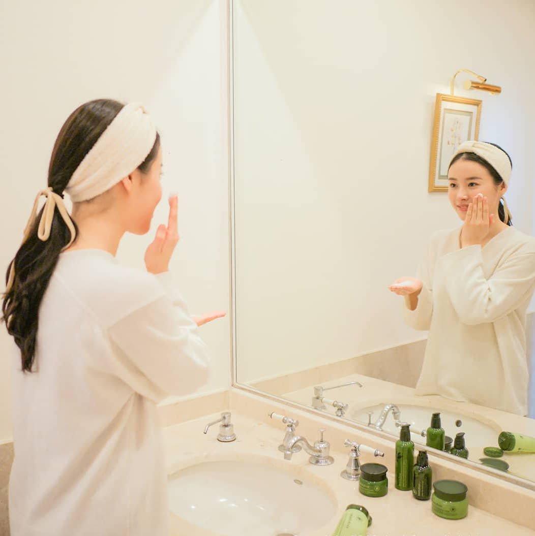 Da dầu mụn có nên rửa mặt nhiều hơn 2 lần 1 ngày